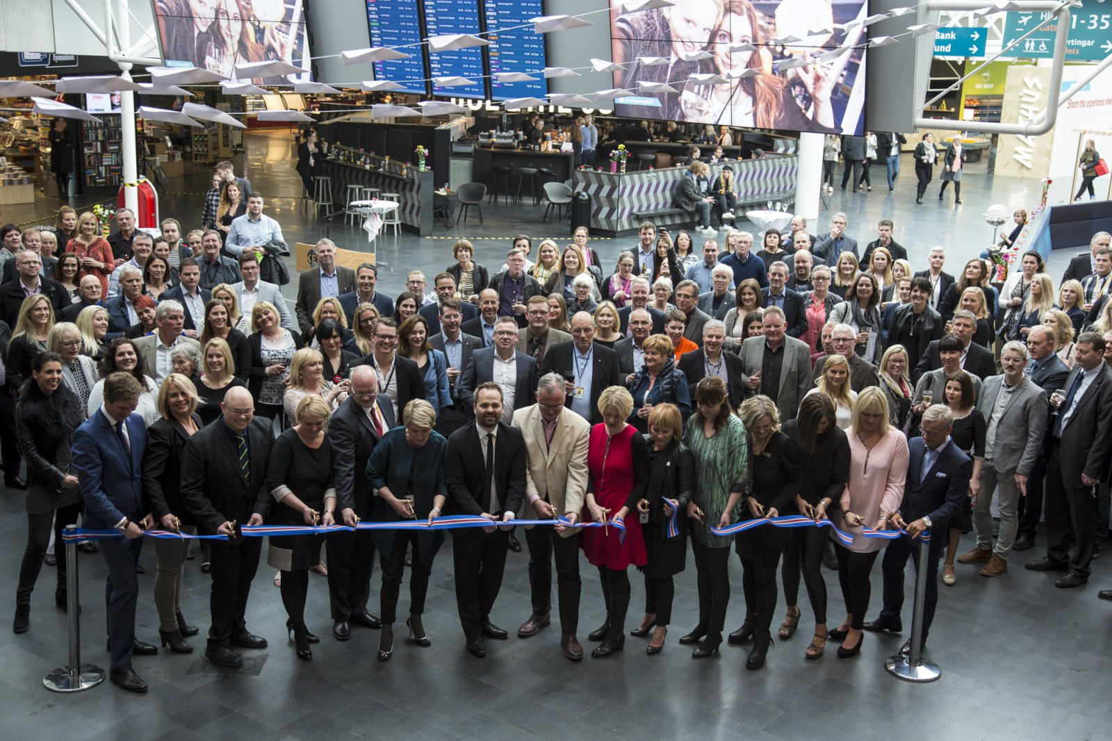 New commercial area opens at Keflavik airport